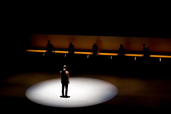 À propos des spectacles – Fluide, de la compagnie Le Fils d'Adrien danse