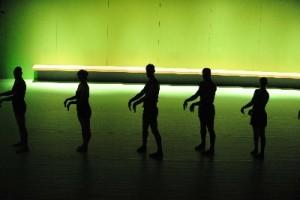 """Batsheva Dance Company Premieres Ohad Naharin's """"Hora"""""""