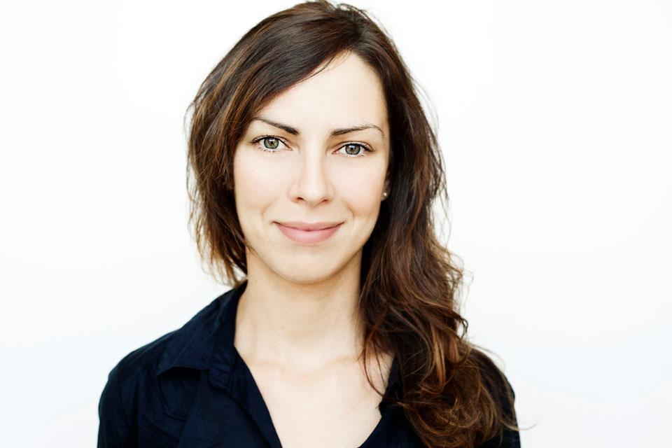 Julie Artacho