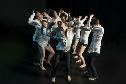 Hélène Blackburn/Symphonie dramatique : De la danse qui danse, par Catherine Genest, VOIR