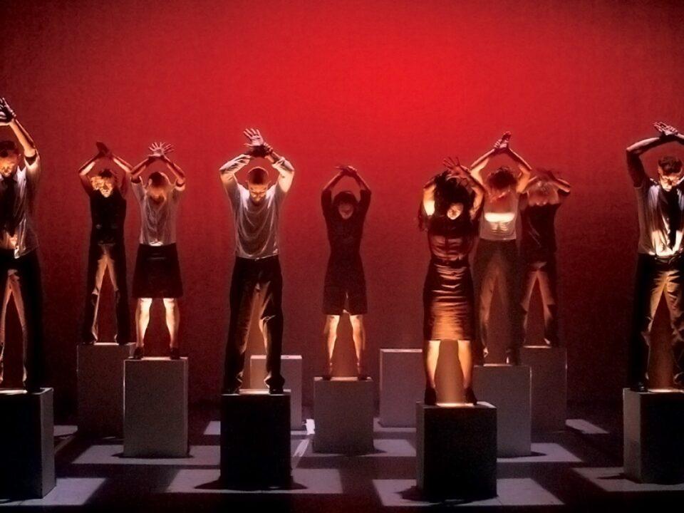 Godspeed You! Black Emperor dans un spectacle de danse contemporaine en avril 2016, par Catherine Genest, Voir