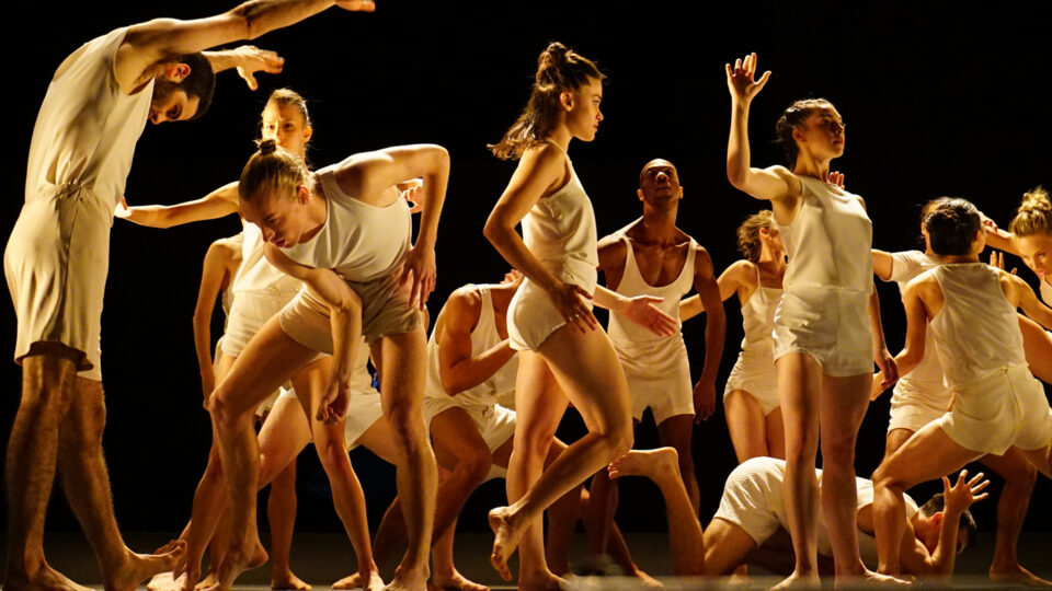 Last Work de la Batsheva Dance company: la voix de la danse par Daphné Bédard, Le Soleil