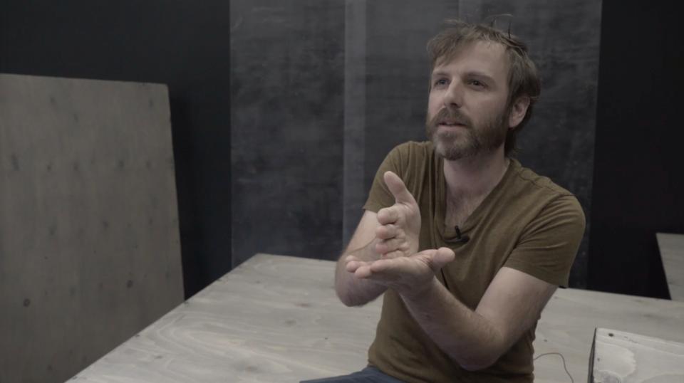 Vidéo : Rencontre avec les artistes derrière Gratter la pénombre