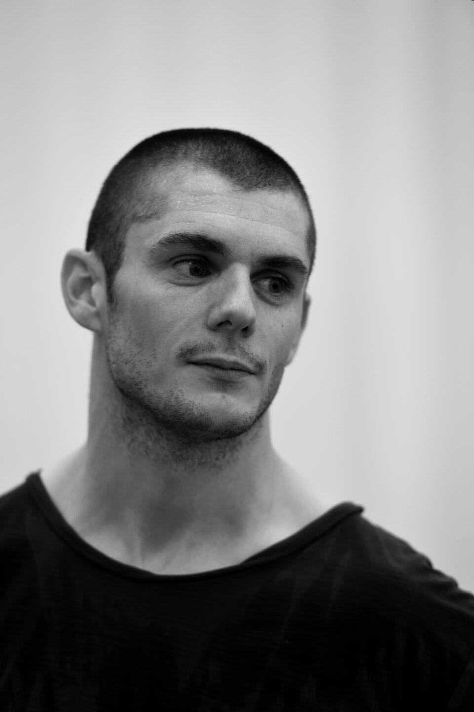 [BIO] David Raymond – Chorégraphe et interprète – Bygones